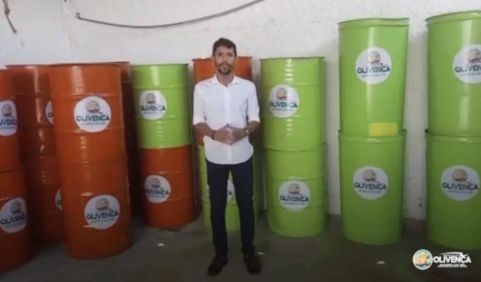 Prefeitura de Olivença instala tambores para a coleta de lixo nas ruas