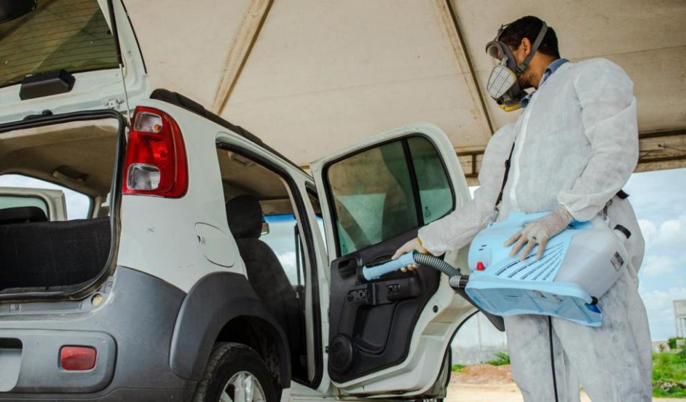Prefeitura de Olivença passa a sanitizar o interior dos veículos de transporte alternativo, veículos particulares e frota do município